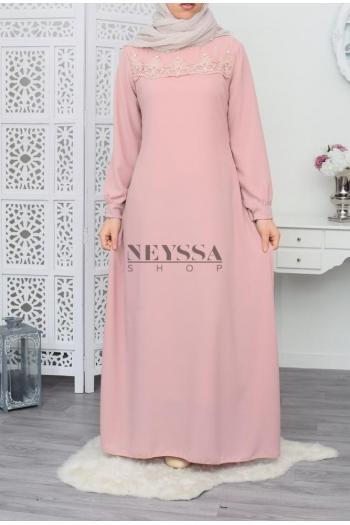 Robe musulmane perlée et dentelle