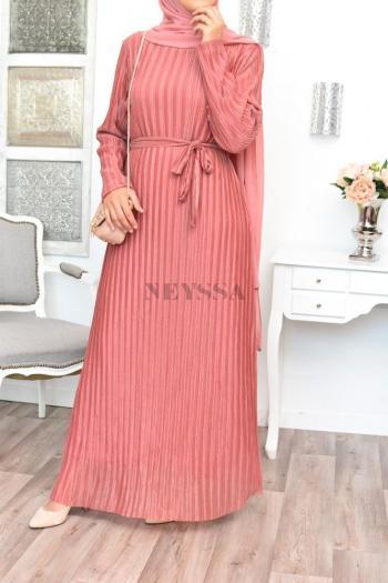 Robe longue satinée fluide femme musulmane
