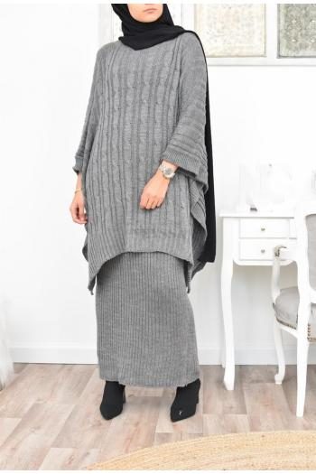 Modern Muslim woman's knitwear set: