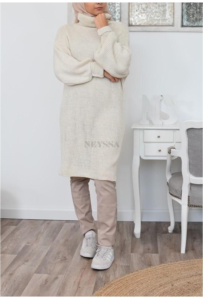 Pull long en laine femme voilée