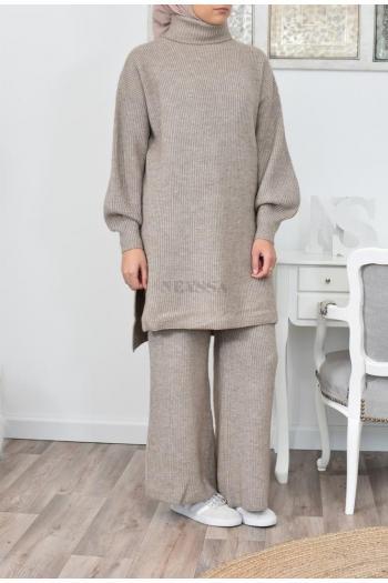 Ensemble tricot femme voilée moderne