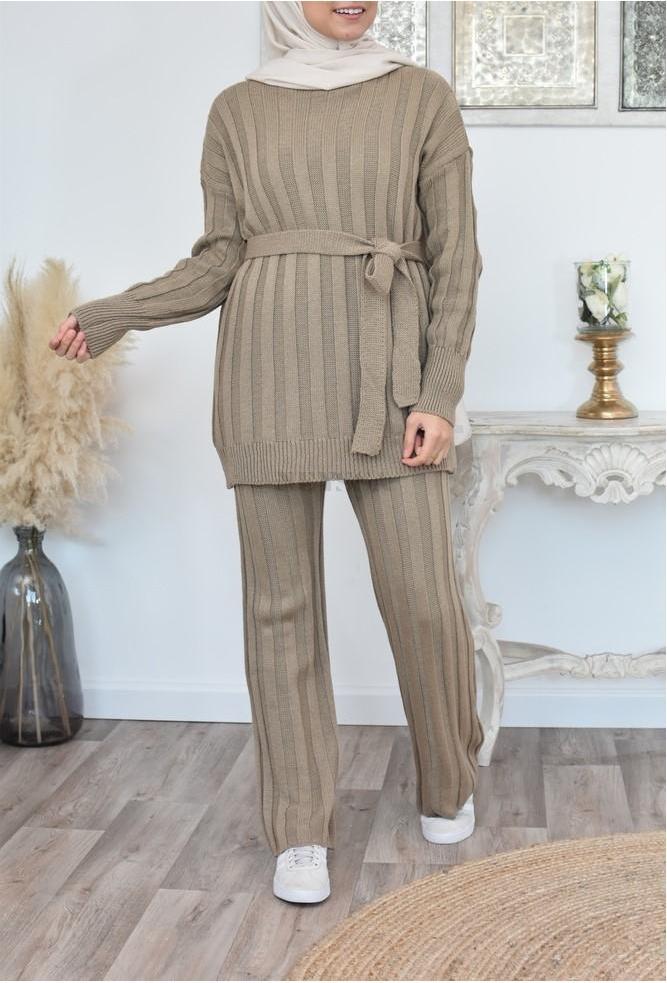 Trendy veiled women's knitwear set