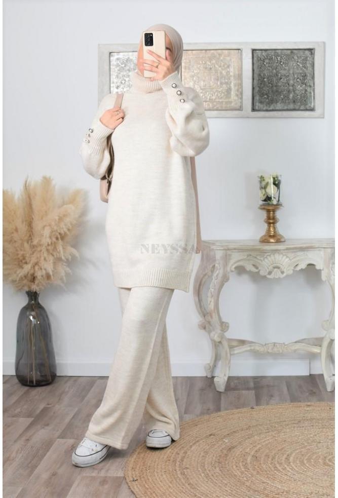 Modern veiled women's long knitwear set