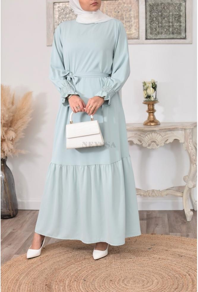 Bohemian long dress for veiled woman