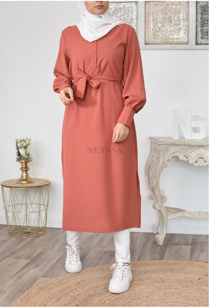 Tunique longue fluide parfaite pour modest fashion