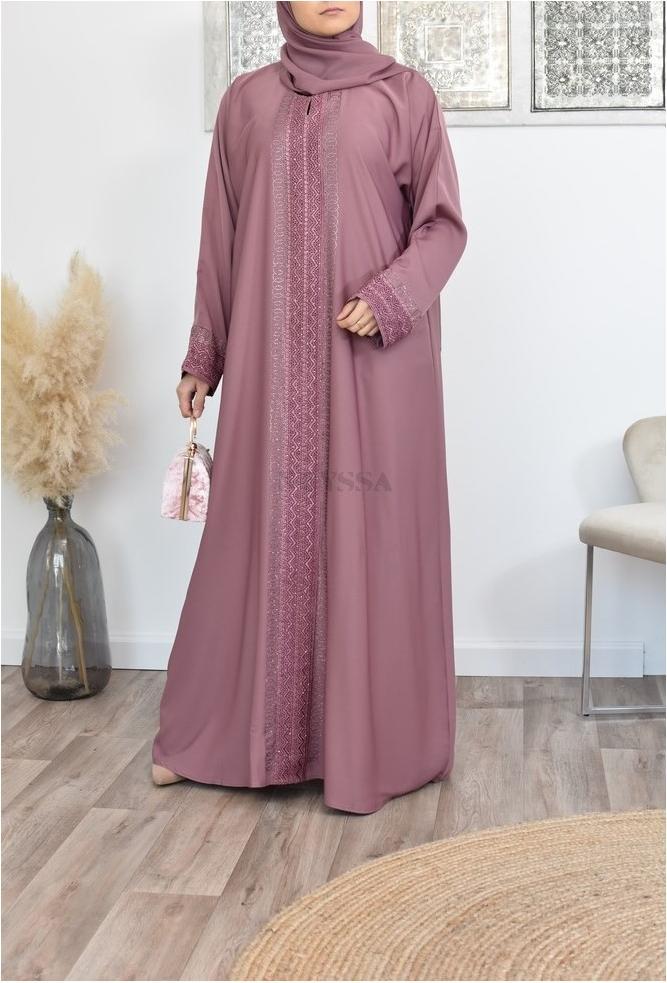 Lange Abaya Dubai Frau perfekt zu bieten