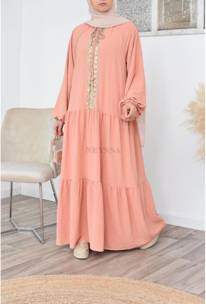 Flared dress veiled women