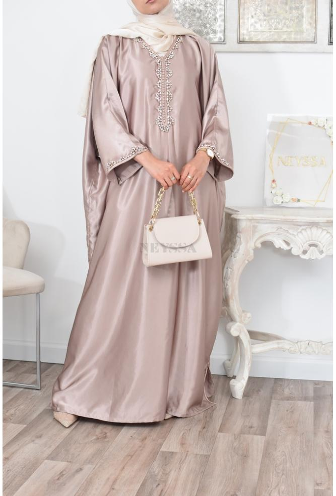 A beautiful Abaya Gandoura caftan for your occasions, cut adapted to the Muslim woman.