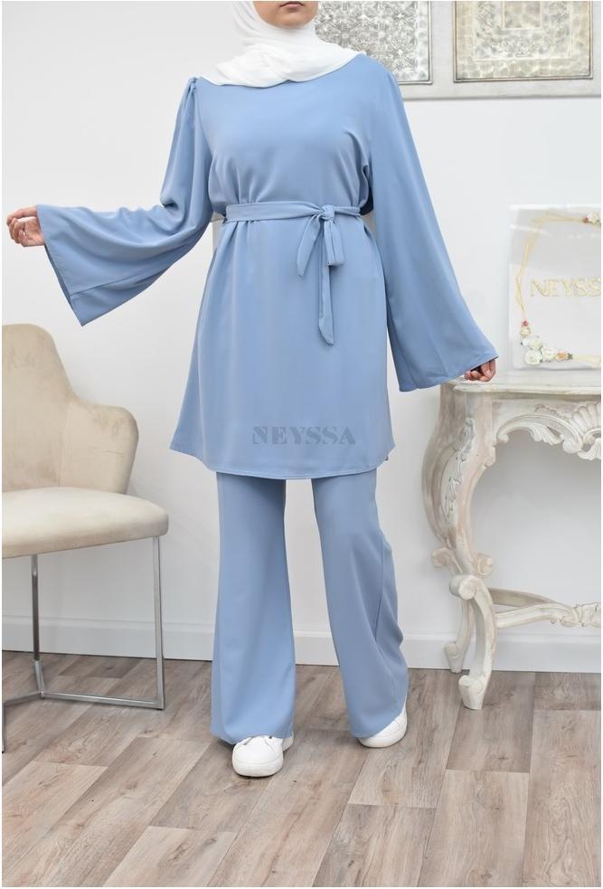 Lange fließende Outfit perfekt für den Sommer für die verschleierte muslimische Frau